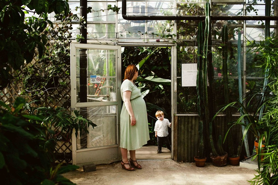 Mann Leiser Greenhouse Maternity Session