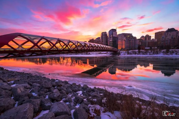 Peace Bridge - Hai Dec - Top Photo Spots Calgary YYC - Lauren's Lighthouse
