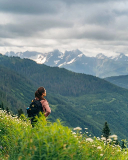 girl hiking Mount Cheam, Fraser Valley