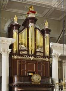 Richard Bridge pipe organ 1735, restoration carvings, pipe organ and carvings after repairs, Laurent Robert woodcarving