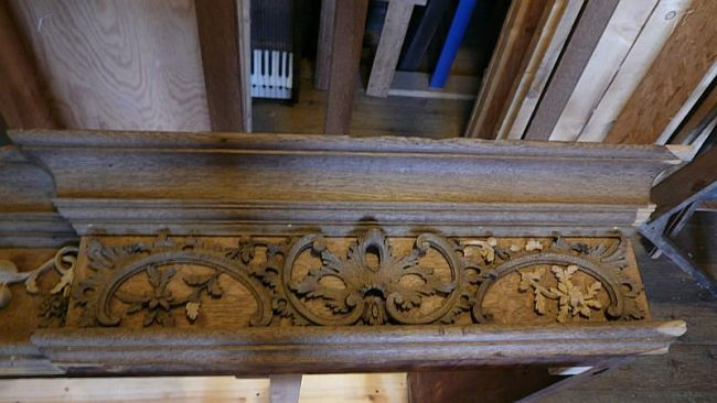 George England organ case restored by Laurent Robert Woodcarver, frieze 2