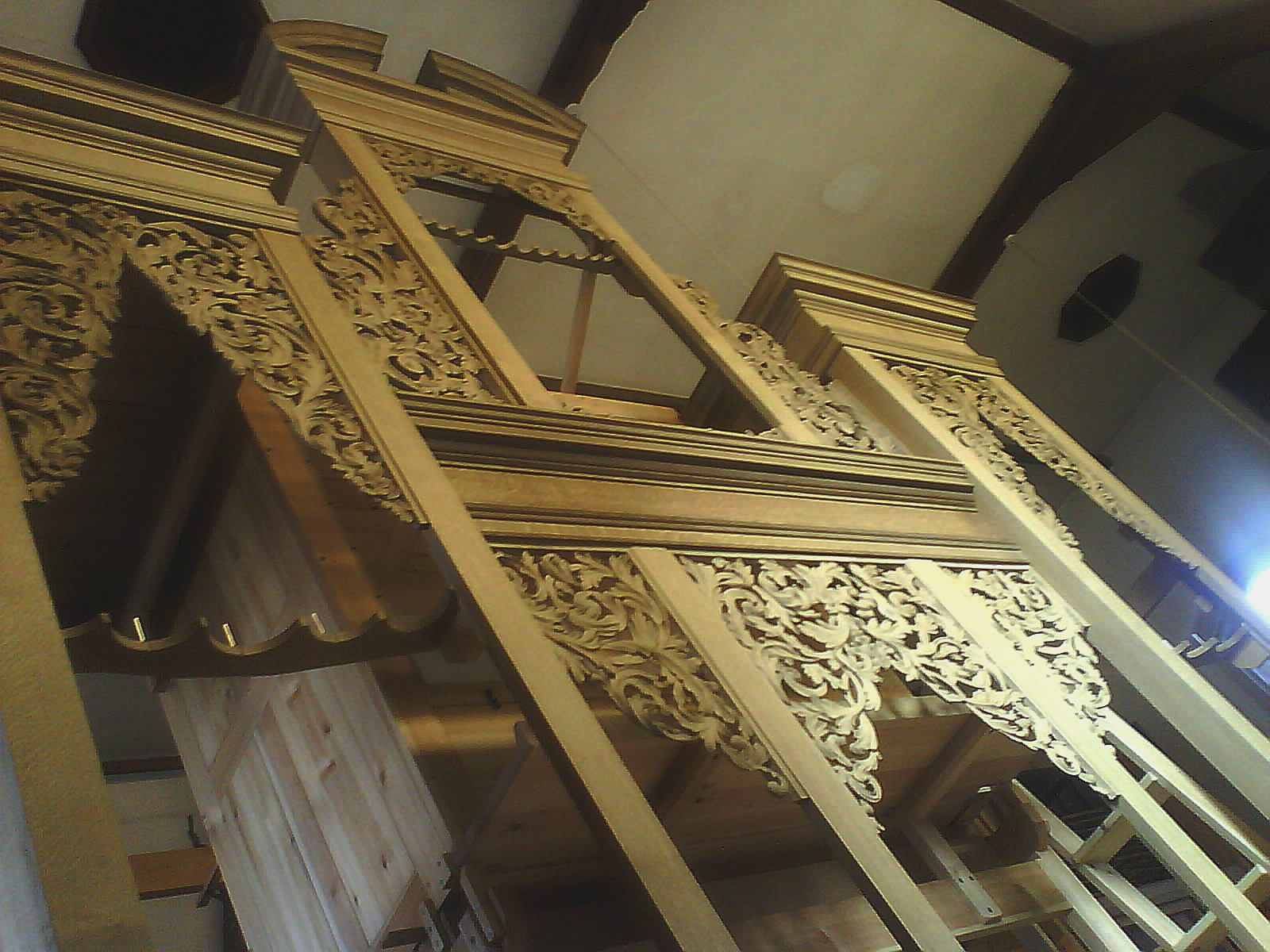 new organ case for Oxford by Laurent Robert Woodcarver