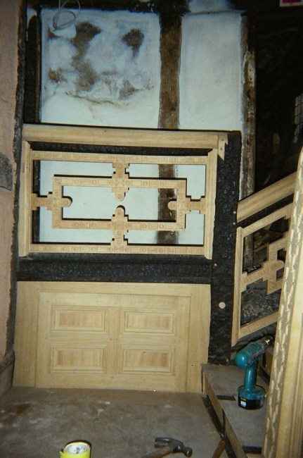 Staircase house in Stockport 17 th century reconstruction, Laurent Robert Woodcarver, staircases landing