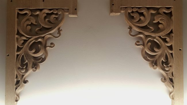pipe shade carved in oak by Laurent Robert Woodcarver,8