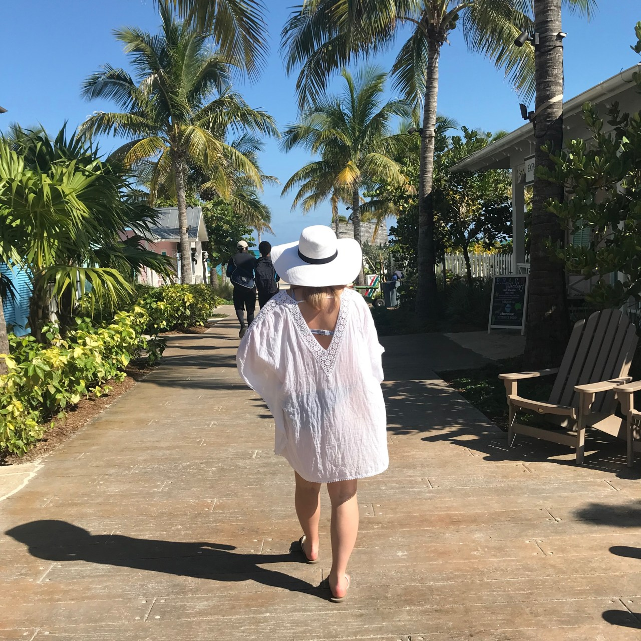 Spring Break Outfits – Bahamas Edition
