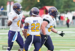 20160917-kha-vo-laurier-mfoot-vs-carleton_-187