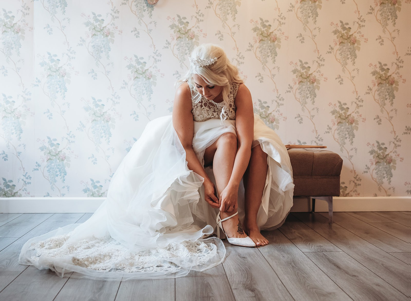 wedding-photographer-gloucestershire-laurine