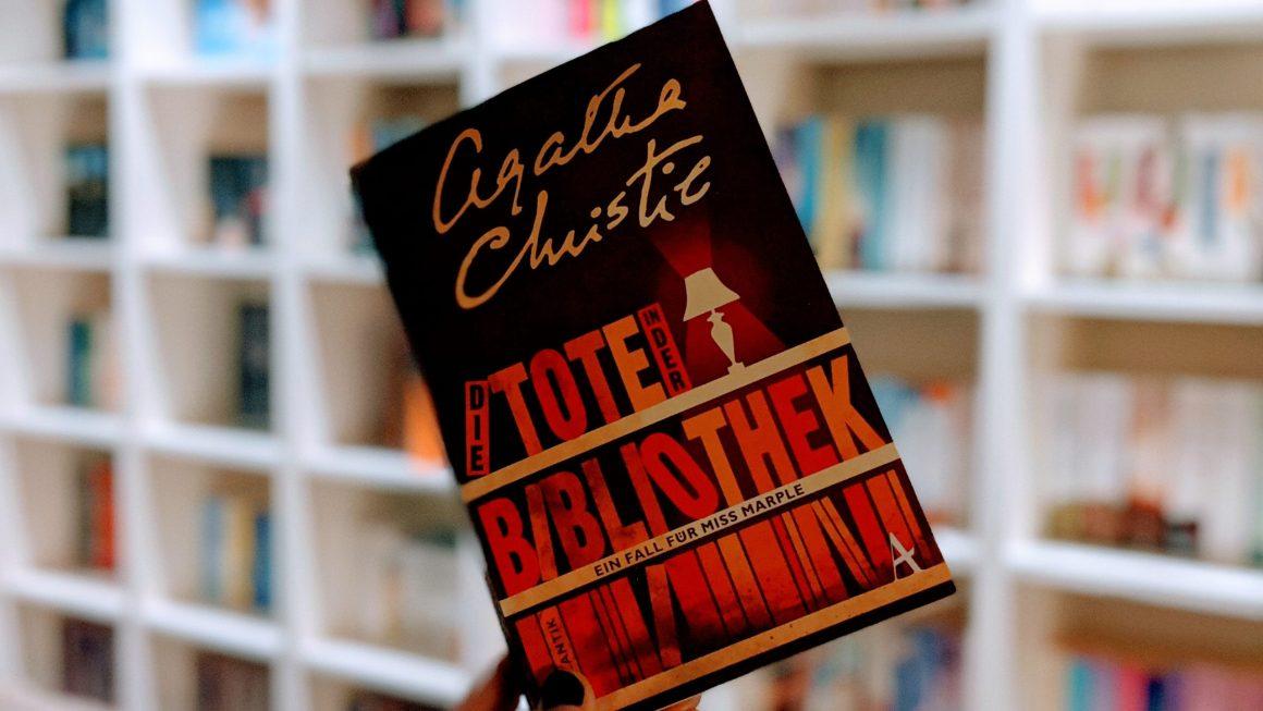 Die Tote in der Bibliothek von Agatha Christie