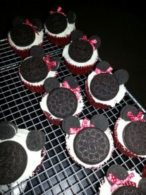 Finished Minnie Mouse cupcakes