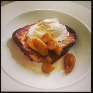 French toast brioche with caramelised apples and cinnamon cream