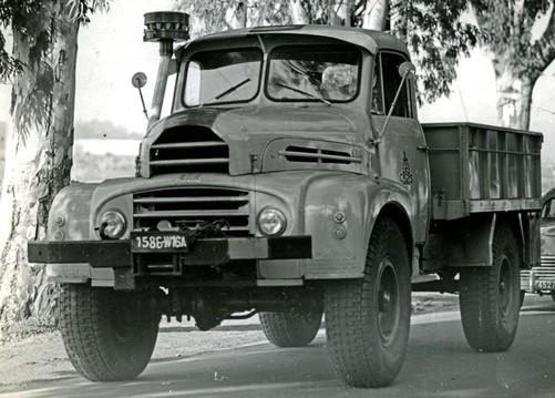 Alm th4 1954 1959 l 39 automobile ancienne - Dessin 4x4 humoristique ...