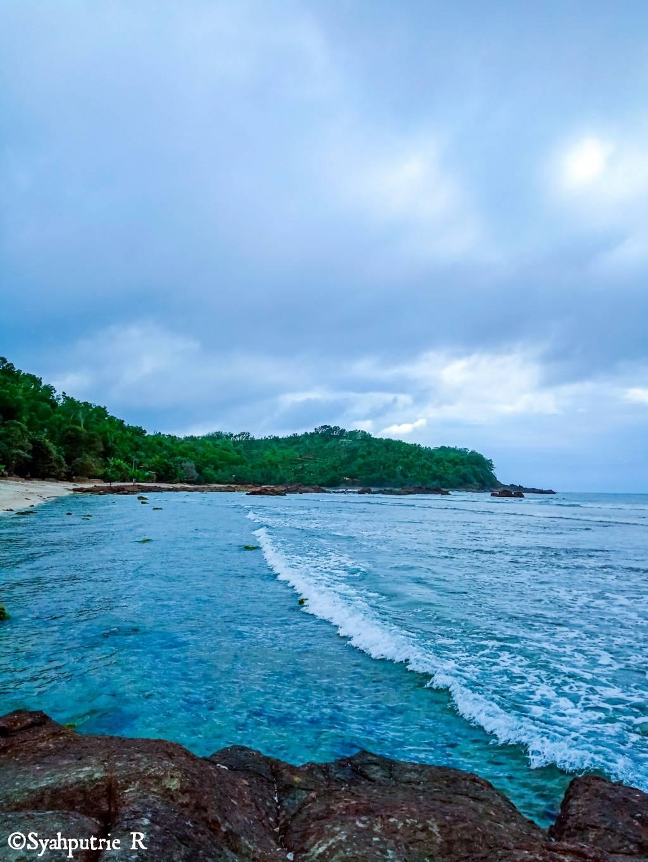 Pantai Wedi Ombo Jogjaahh.jpg