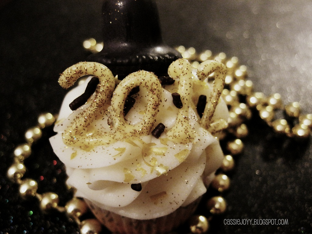 Happy New Year Cake Wallpaper Download Kamos Wallpaper