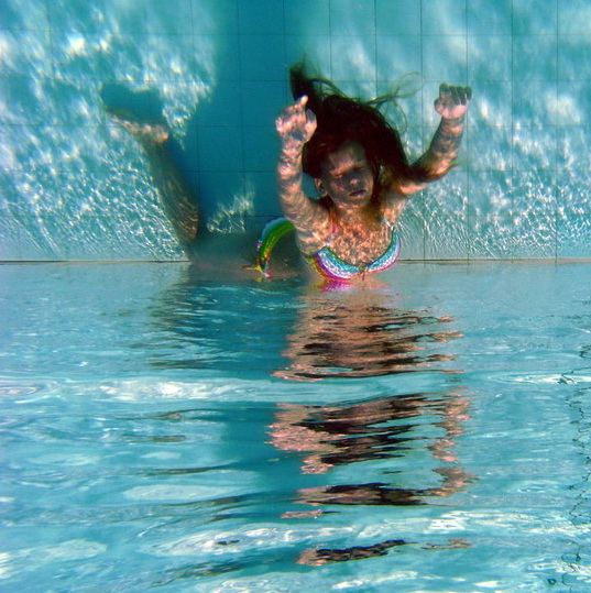 trapped underwater photos 026