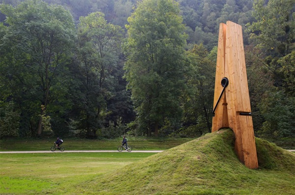 Creative Wooden Artworks and Sculptures12.1