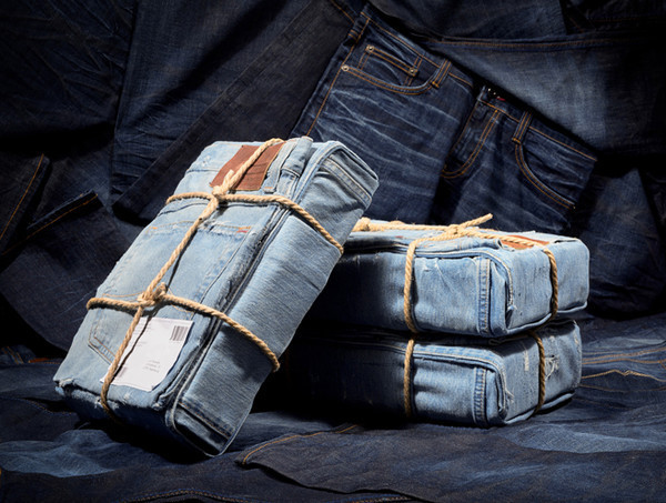 MUSTANG Jeans Product Packaging Designs