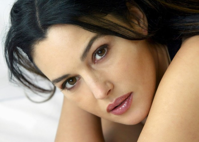 Sexy Monica Bellucci HD Wallpaper (1)