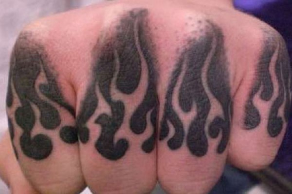 Flames-knuckles-tattoo-idea