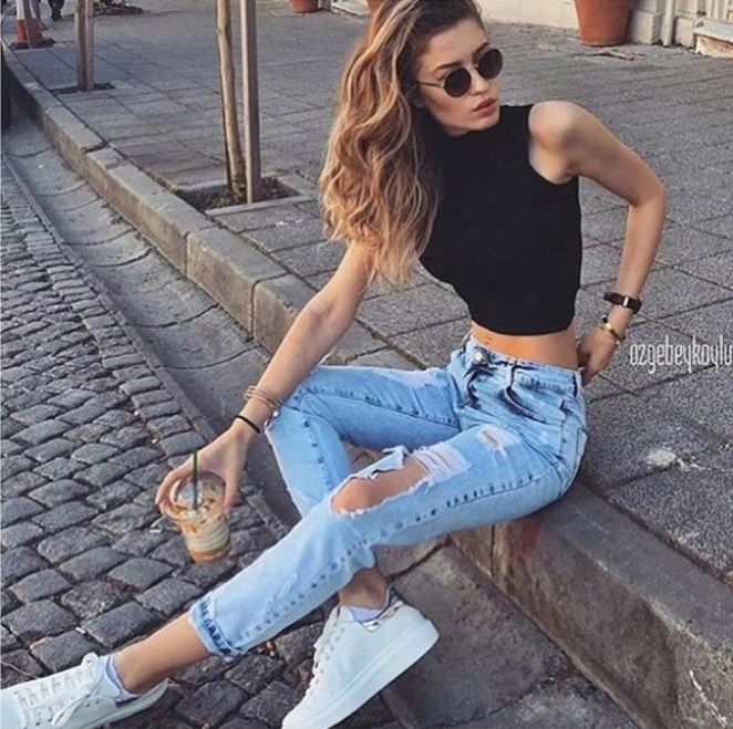 ripped-jeans-03