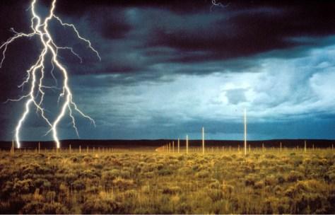 Walter-De-Maria-The-Lightning-Field