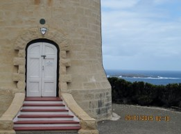 Lighthouse near the Remarkable Rock, Kangaroo island (Photo credit: http://www.lavaleandherworld.wordpress.com)