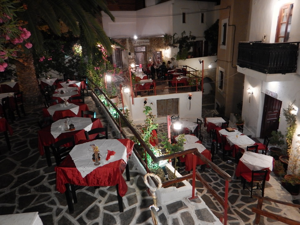 Chora by night Naxos
