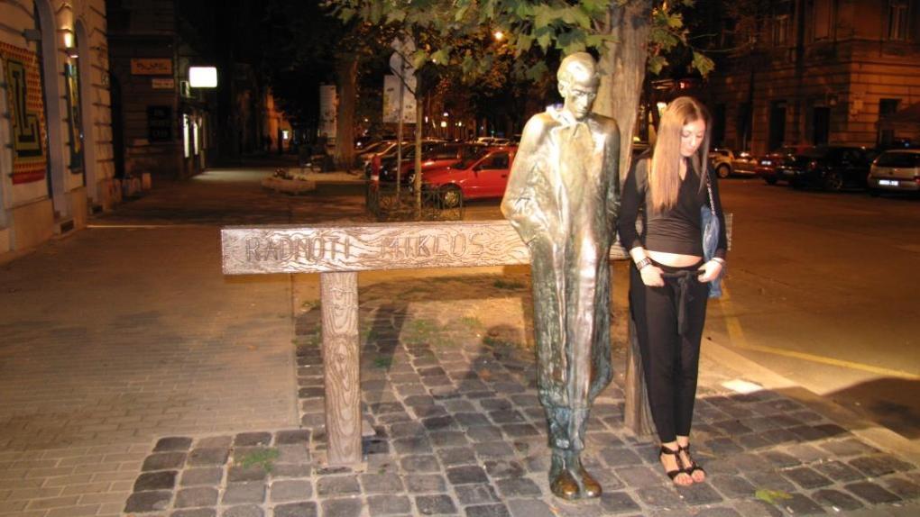 Foto con statue 1