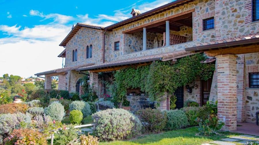 casale rustico a Castiglione del Lago 4