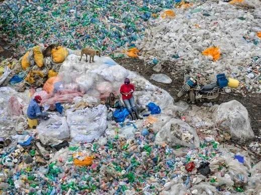 Antropocene inquinamento discarica