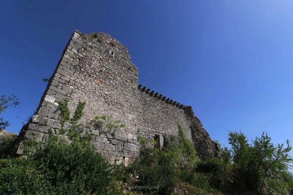 visitare alba fucens - alba borgo medievale