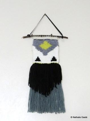 Tissage en laine noir, blanc, bleu, vert / black, white, blue and green weaving