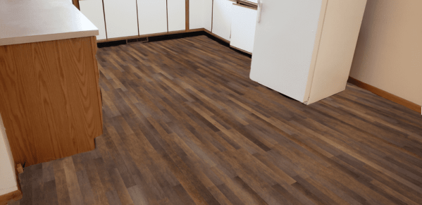 Southwind-Waterproof-Flooring-Classic-StripColonial-Maple-2