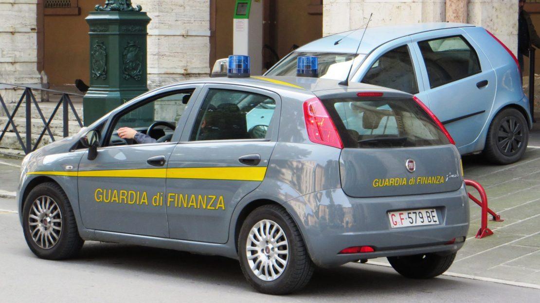 Guardia_di_Finanza_car.JPG