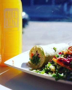 Un seul wrap sur le menu est végane (contient du quinoa) et deux salades le sont : salade de kale (photo) et le taboulé.
