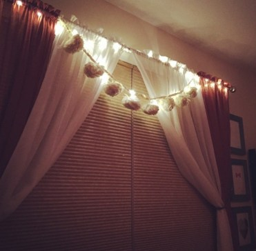 Curtains & pom poms
