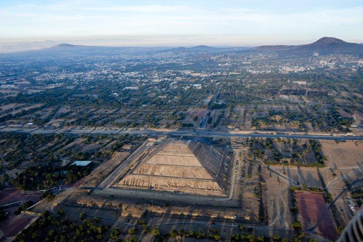 Hot Air Balloon Tour, Teotihuacan Pyramids, Mexico City