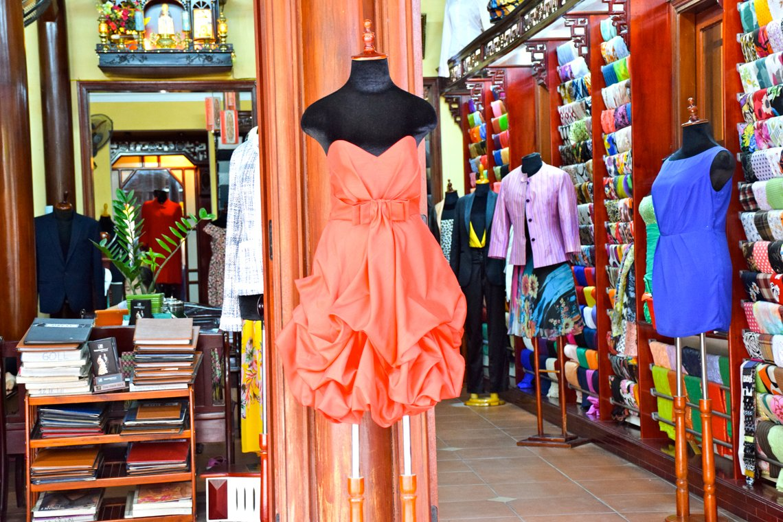 The Ultimate Guide to Buying Tailored Clothes in Hoi An