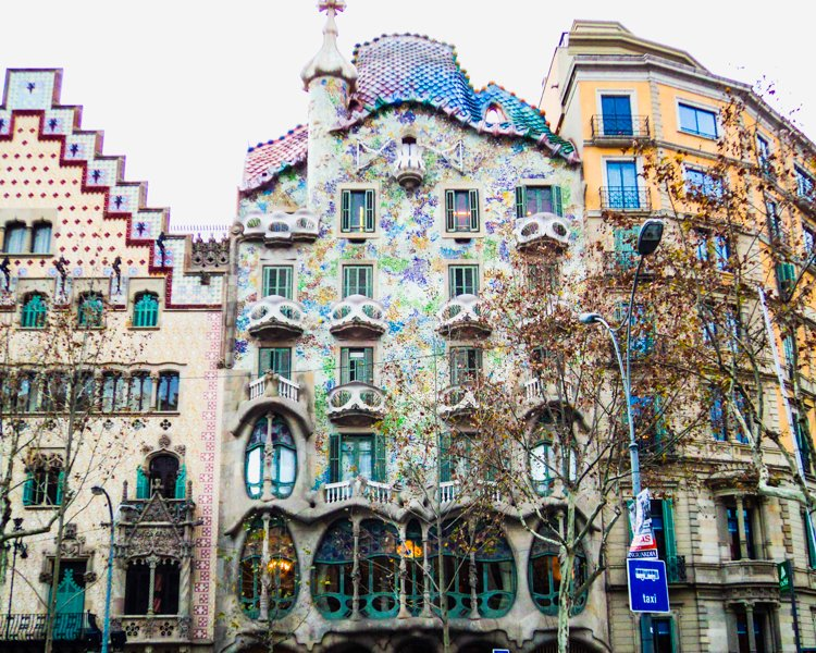 Delightful Casa Batllo   Antoni Gaudi Guide To Barcelona Ideas