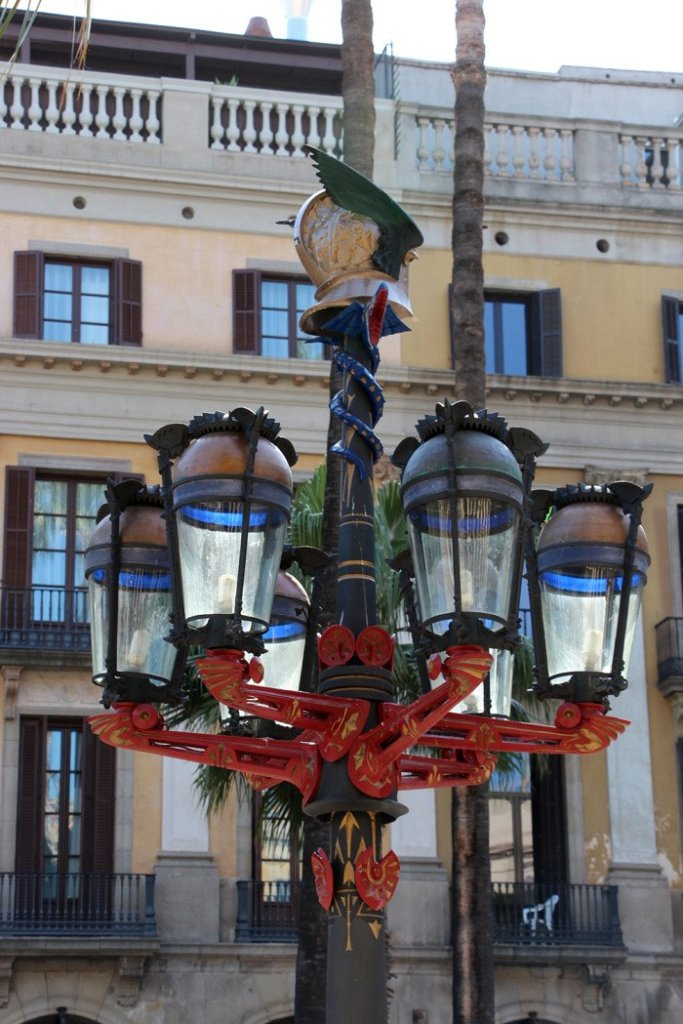 Placa Reial Lanterns - Antoni Gaudi Guide to Barcelona