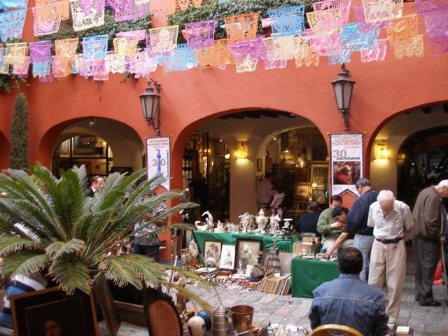 Plaza del Angel Centro de Anticuarios - Mexico City's Trendiest Neighborhoods