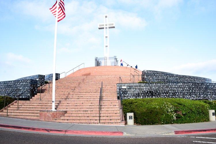 San Diego Bucket List - Mount Soledad cross