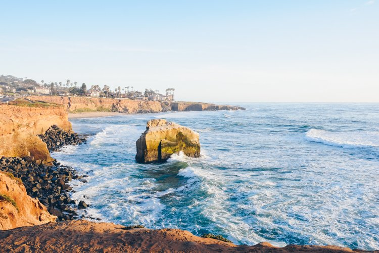 San Diego's Best Outdoor Adventures - Sunset cliffs - Trail running in San Diego