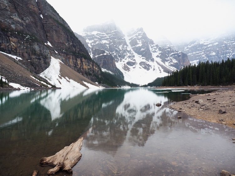 Moraine Lake, Banff National Park, Alberta, Canada - 20 Photos to Inspire You to Visit Moraine Lake