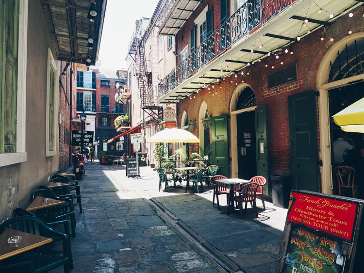 Pirate's Alley - Things you must do in the French Quarter
