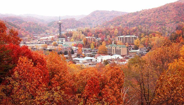 Best Places to Visit in the Fall - Gatlinburg, Tennessee