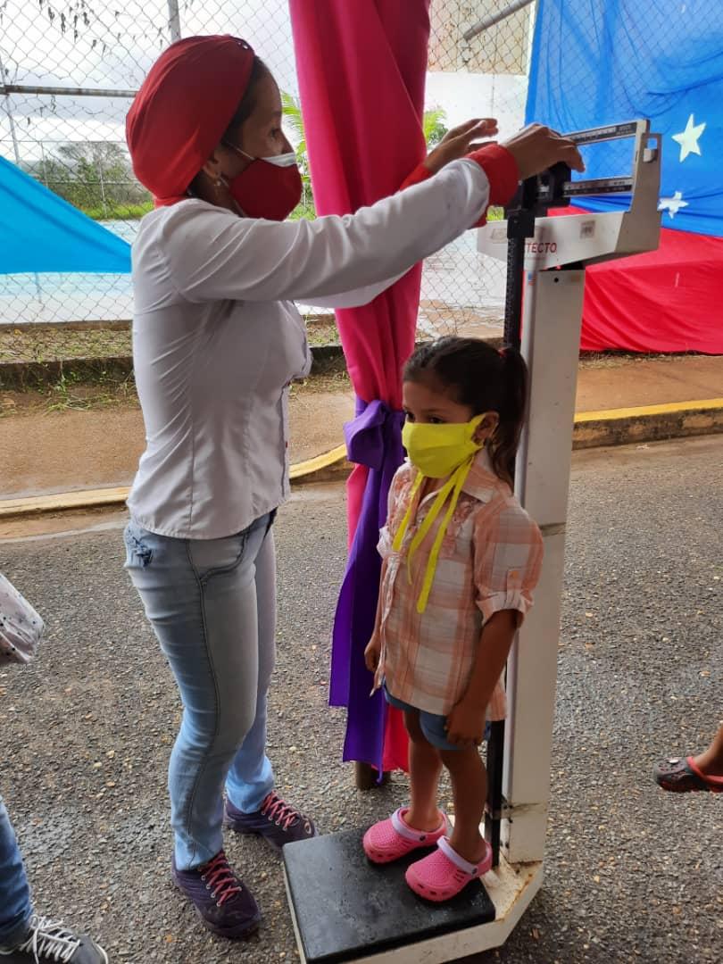 120 ninos de santa barbara atendidos en jornada pediatrica laverdaddemonagas.com whatsapp image 2021 05 27 at 8.32.35 pm