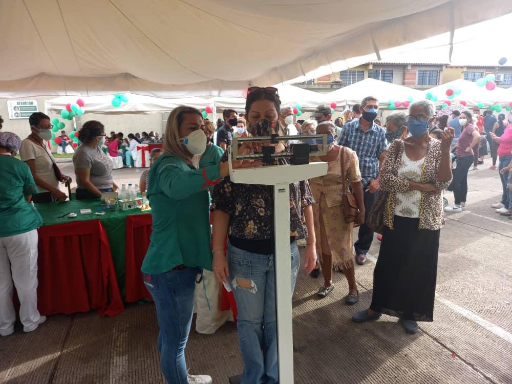 todo un exito jornada medica y de vacunacion organizada por farmadon y la drs laverdaddemonagas.com peso1