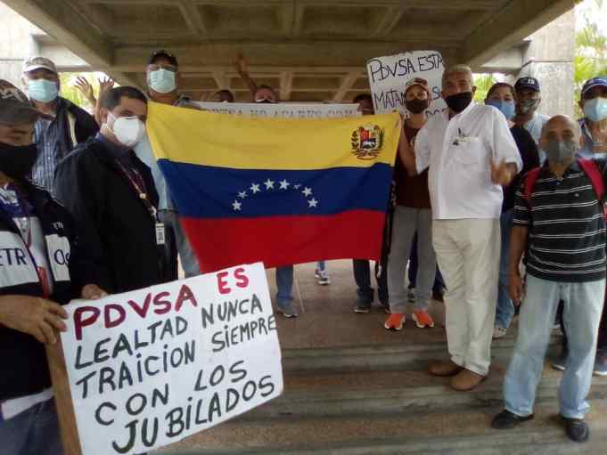 jubilados de pdvsa protestaron por sus reivindicaciones laborales laverdaddemonagas.com whatsapp image 2021 06 08 at 11.16.44 am