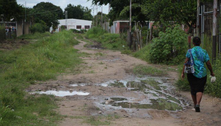 Más de 10 años llevan esperando por asfaltado de La Invasión de La Puente