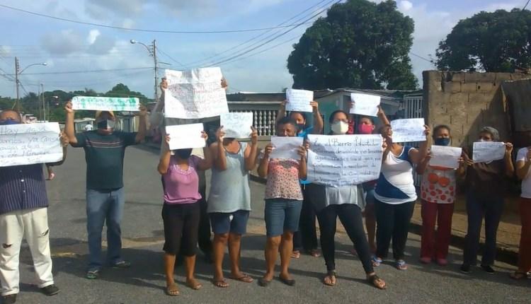Vecinos piden a las autoridades solucionar las fallas que hay en la comunidad
